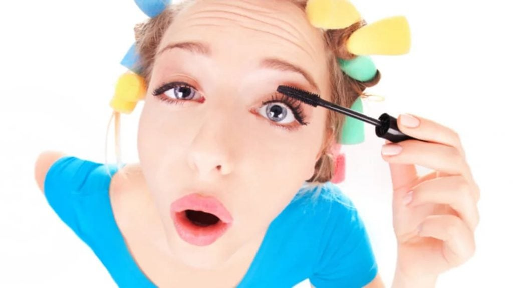 Applying the best mascara